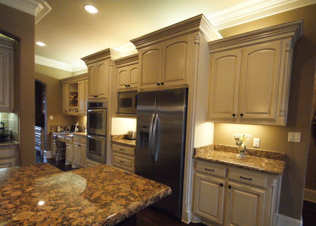 Manchester old english traditional kitchen other for Traditional english kitchen