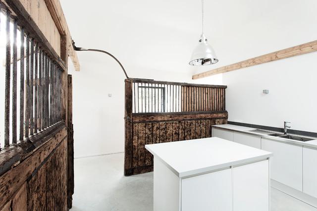 Manor house stables minimalistisch küche hampshire von ar