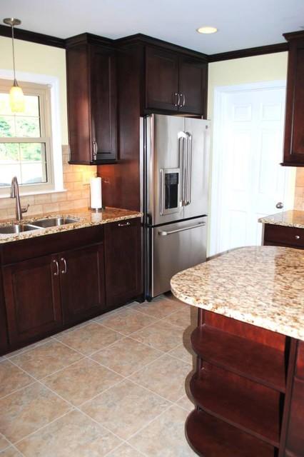 Glaze Cabinets Armstrong Alterna Durango Vinyl Traditional kitchen