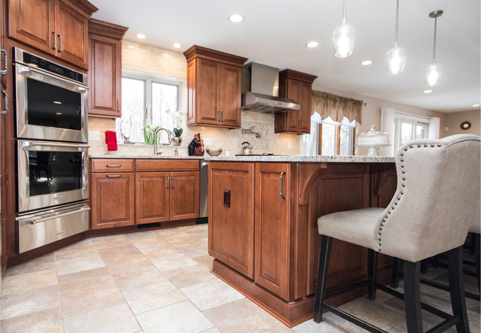Maple Cabinet kitchen and wet bar remodel - Traditional ...