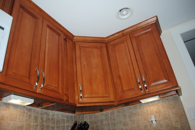 Maple Cabinets Under Cabinet Lighting Tile Backsplash