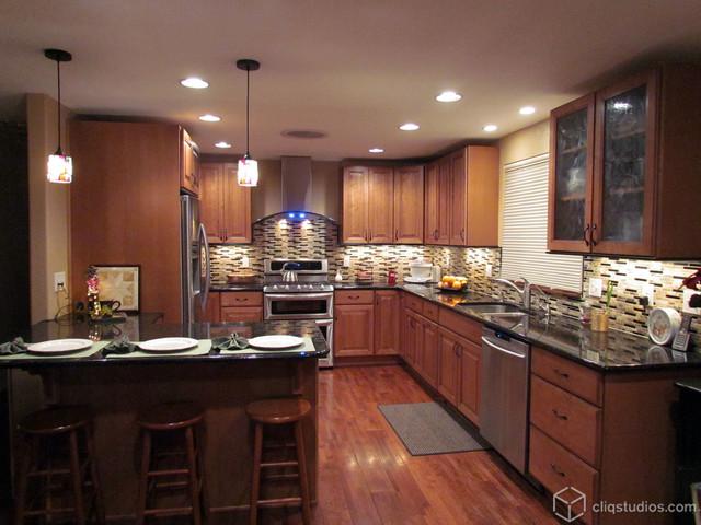 Maple Caramel Kitchen Traditional Kitchen Minneapolis By