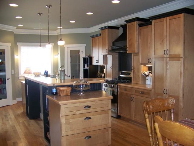 Exceptionnel Maple Kitchen Black Trim Craftsman Eclectic Kitchen