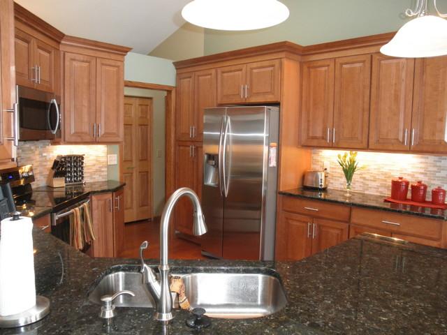 Maple Kitchen Cabinets Carlton Door Style