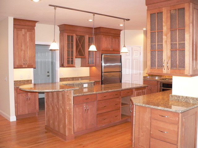 Maple kitchen cabinets raised panel cabinetry for American maple kitchen cabinets