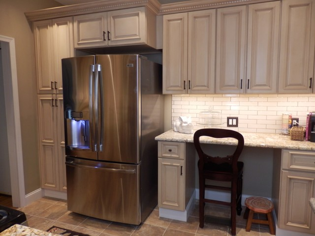 Maple Kitchen Cabinets - Tuscany Cabinet Style traditional-kitchen