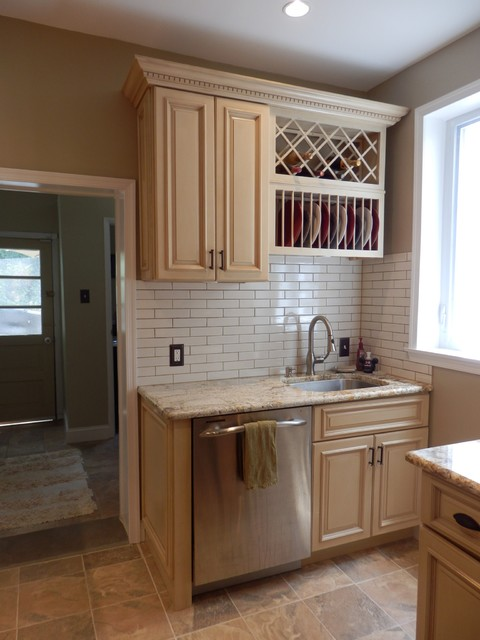 Maple Kitchen Cabinets - Tuscany Cabinet Style - Traditional - Kitchen ...