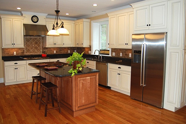 Maple Kitchen Cabinets | White Kitchen Cabinets | Carlton Door Style ...