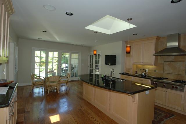 Maple Kitchen contemporary-kitchen