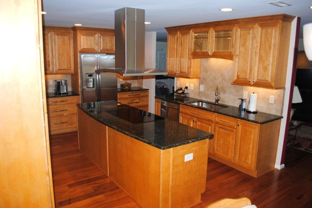 Maple Prescott Butterscotch Cabinets, Peacock Granite ... on Maple Cabinets With Backsplash  id=27837