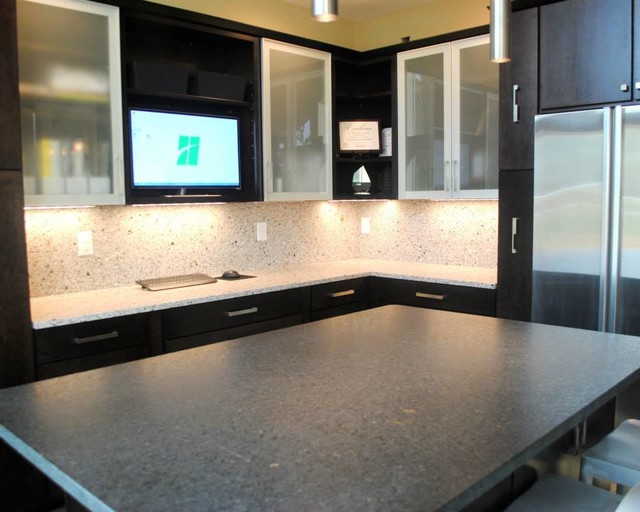 Maple Rohe Espresso Cabinets, Silver Pearl Granite, Silestone Quartz ...