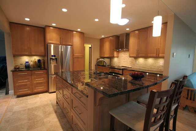 Maple shaker kitchen in Deep Cove contemporary-kitchen