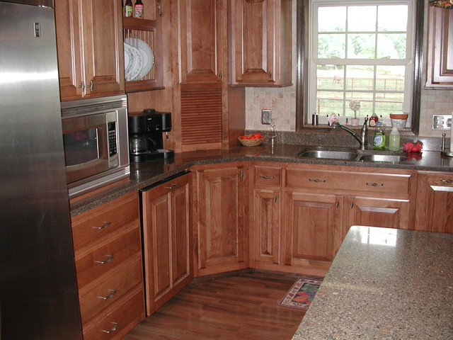 Maple Stained Cabinets With a Darker Crown Molding ...