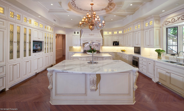 Kitchen cabinet colors with white countertops - Marble Countertop Calacatta Gold Traditional Kitchen