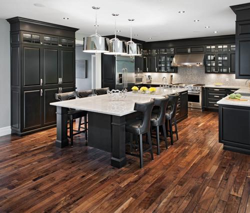 Glitter sparkle luxe black kitchen cabinets for Dark kitchen cabinets with dark wood floors pictures