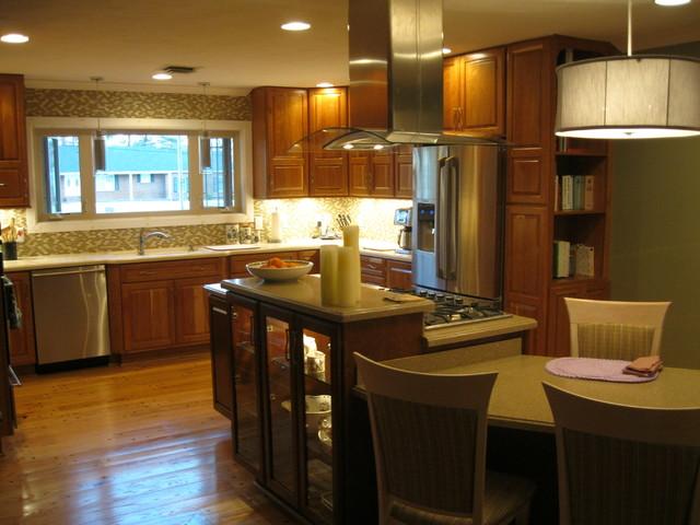 Marilyn 39 s kitchen estate cherry cinnamon raised panel for Cinnamon cherry kitchen cabinets