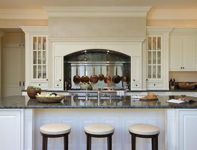 Marina Residence traditional-kitchen