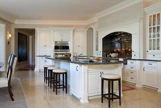 Marina Residence traditional-kitchen