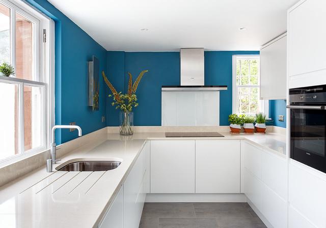 Marine blue kitchen edinburgh contemporary kitchen for Kitchen ideas edinburgh