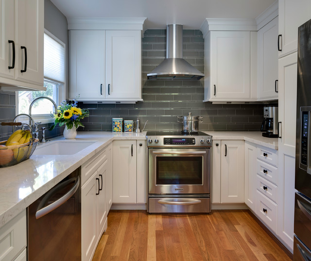 traditional enclosed kitchen ideas   inspiration for a timeless u shaped enclosed kitchen remodel in 10 x 10 kitchen ideas  u0026 photos   houzz  rh   houzz com