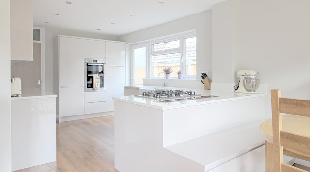 Marlowe Road Modern White Kitchen Modern Kitchen East Anglia By Kent Blaxill