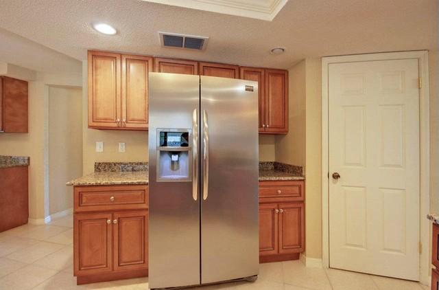 Marquis Cinnamon Kitchen Cabinets - Traditional - Kitchen ...