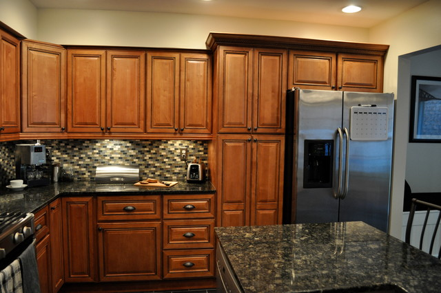 Marquis cinnamon kitchen with center island traditional for Cinnamon colored kitchen cabinets