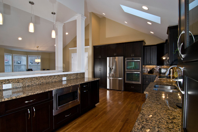 Marsh kitchens designs traditional kitchen raleigh for Kitchen design raleigh