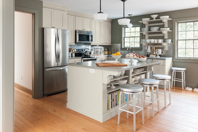 Martha 39 S Maine Remodel Farmhouse Kitchen New York By Martha Stewart Living