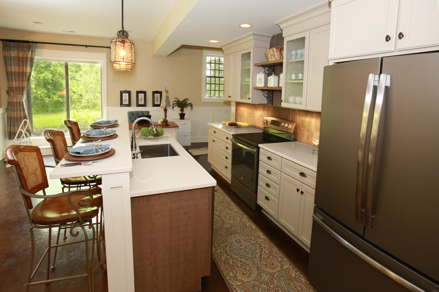 Marysville in law suite farmhouse kitchen columbus for Angela bonfante kitchen designs