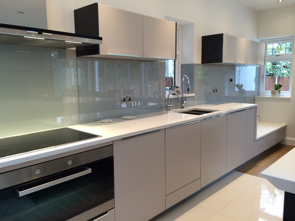 Matt Cashmere Kitchen With High Gloss Real Wood Contemporary Kitchen London By Acqua Kitchens