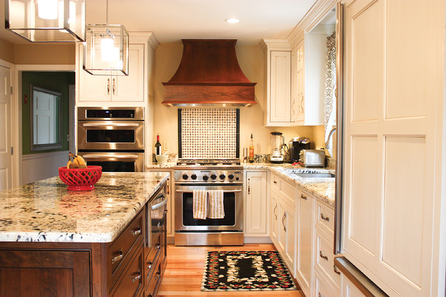 Mattapoisett Traditional Kitchen
