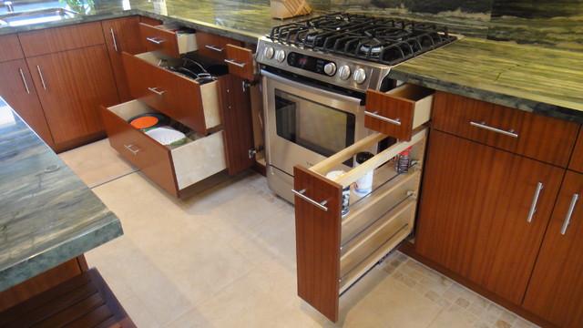 Mauna Kea Villa 39 contemporary-kitchen
