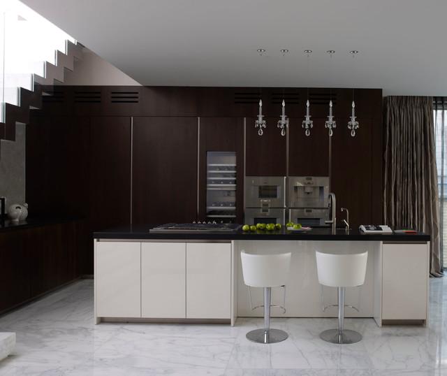 Transitional Modern Kitchen Open Plan: Mayfair Penthouse Open-Plan Kitchen