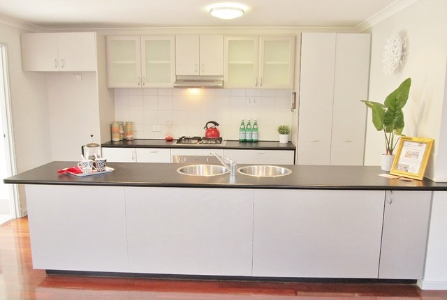 Maylands Perth Wa Modern Kitchen Perth By Mr Home Staging Design Company