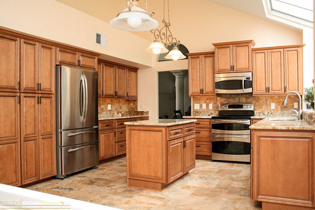 Mcgahan Waypoint Zelmar Home Remodel Traditional Kitchen Orlando By Zelmar Kitchen