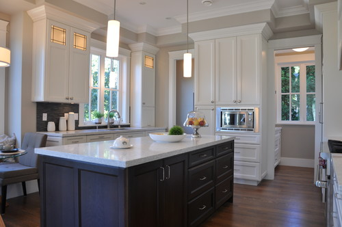 Lovely Should White Kitchen Cabinets Match Trim