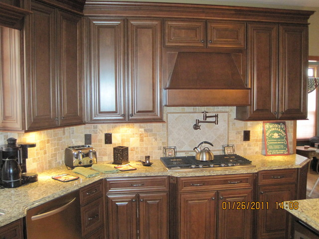 Mckinley Cherry Chocolate Glaze By Shenandoah Cabinetry