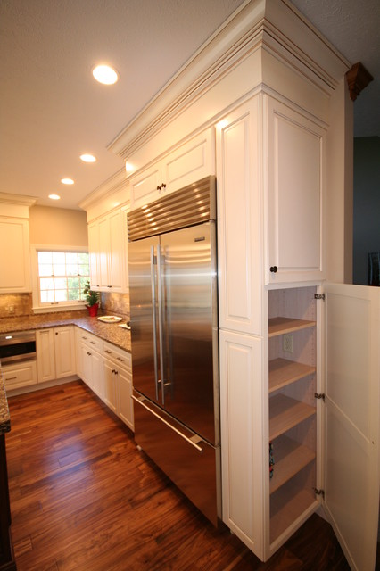 Mcnamara traditional kitchen other by nelson for Kitchen design nelson