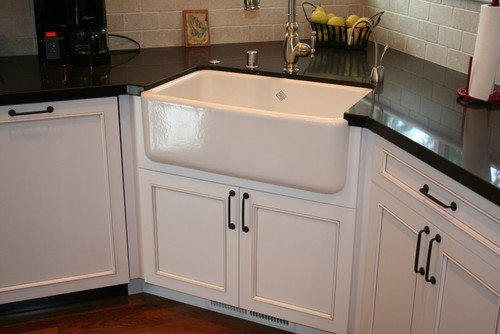 Corner Kitchen Sink Base Unit : What is the size of the corner sink cabinet?
