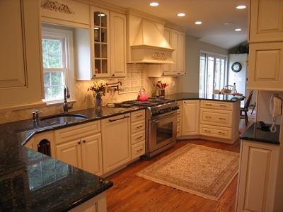 Medallion Brookline Cabinets Traditional Kitchen