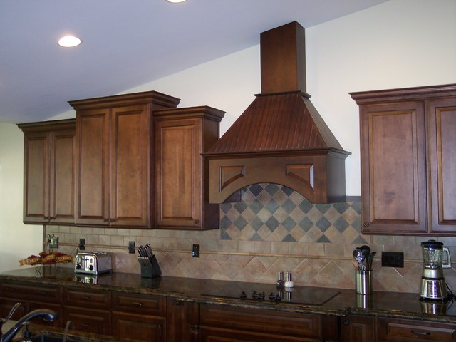 Medallion Kitchen Designs traditional-kitchen