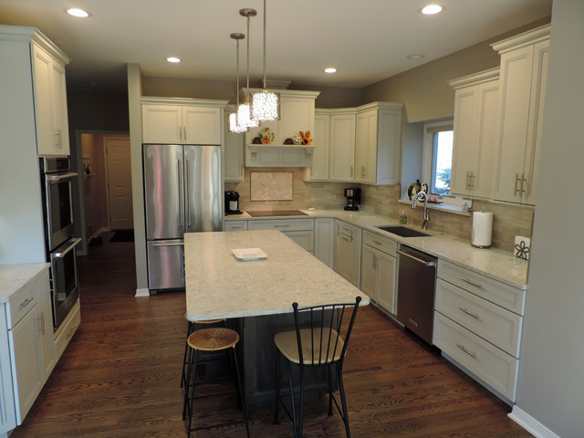 Medallion White with pewter highlights/Smoke Maple island ...