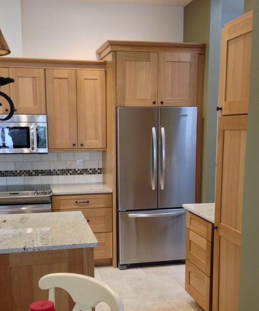 Medinah transitional quarter sawn oak kitchen kitchen for Albuquerque kitchen cabinets