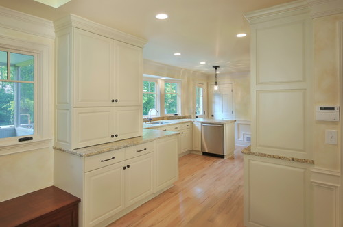are the cabinets moderate white sherwin williams?