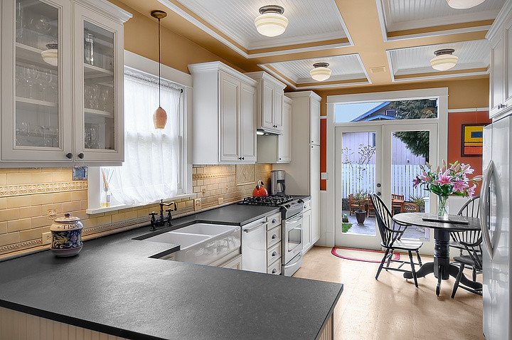 Inspiration for a timeless kitchen remodel in Seattle