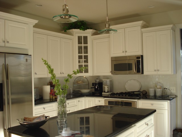Megan Smythe Design traditional kitchen
