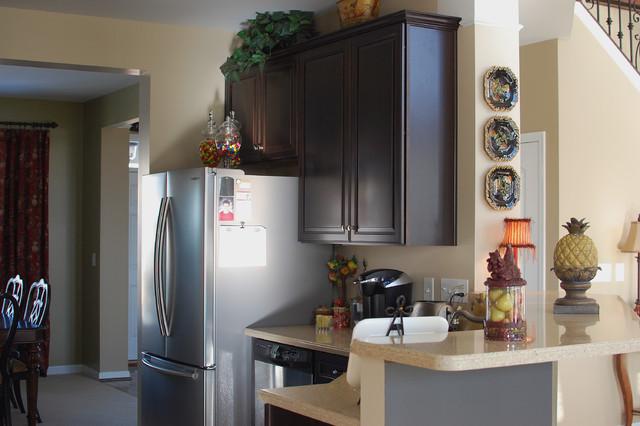 Melanie Gore traditional-kitchen