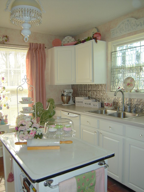 Melissa from My Cottage Charm traditional-kitchen
