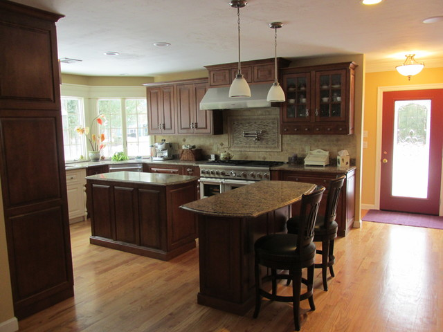 Mendon kitchen traditional kitchen providence by for Beauty queen kitchen cabinets